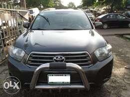 Clean Toyota Highlander 08, Registered