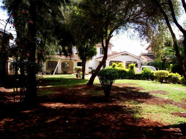 Spacious 5Bedroom Double Storey House in Mountain View Estate 150K Westlands - image 1