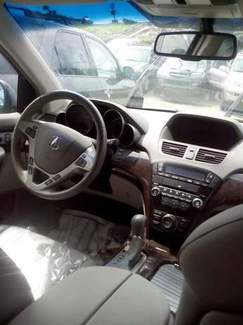 Acura MDX available in show room Apapa - image 5