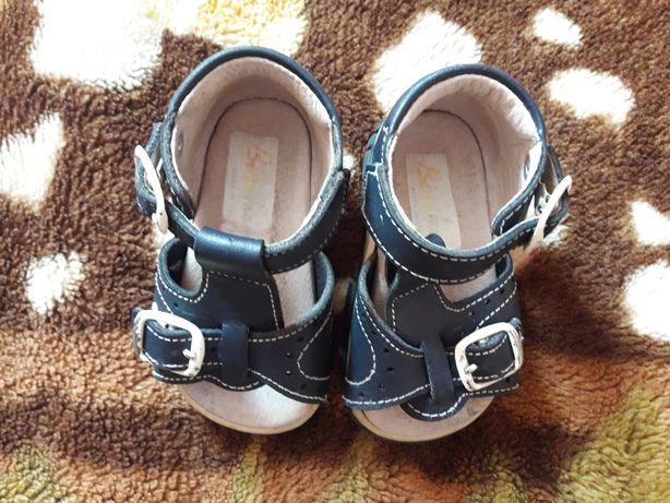 792cfe884 Детские кожаные босоножки Chicco для первых шагов Киев - изображение 4