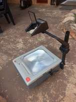 3M9080 Overhead Projector