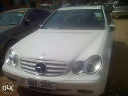 A -C- class Mercedes-Benz for sale for 32m ugx negotiable
