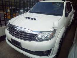 Toyota Fortuner White T20 2.5L engine size
