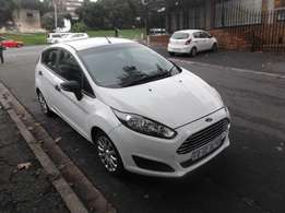 2014 ford fiesta 1.4 white color 49000km R110000