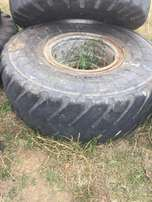 Tyres 20.5R25 with Rims