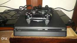 Selling my ps wid 2 cds nd 2 pads