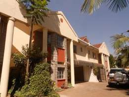 Beautiful 5 Bedroom 3 Maisonette Townhouse with SQ to let in Lavington