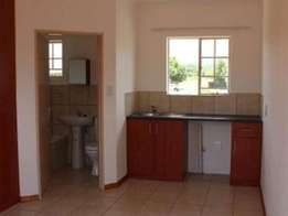 Flat to Let in Kempton Park: Rent R4000