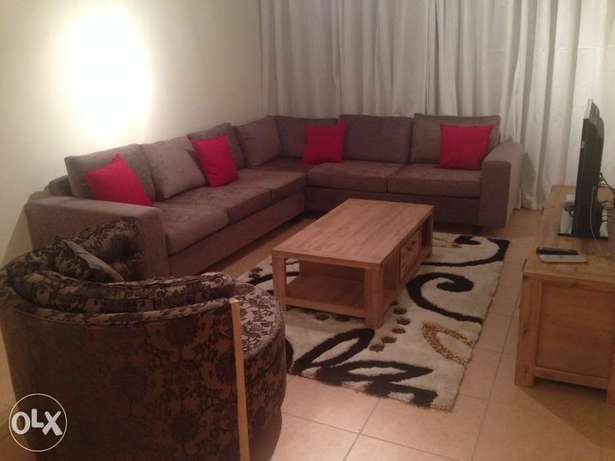 Fully Furnished 2 bed apartment in heart of sandton Parkmore - image 1