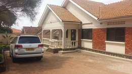4 bedroom beautiful bungalow Ntinda Kiwatule road 4 sale at 650m