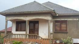 Residential 4bed roomed house in namugongo sonde very axcessible to ma