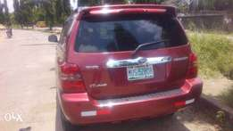 Very clean zero fault Toyota Highlander for sell