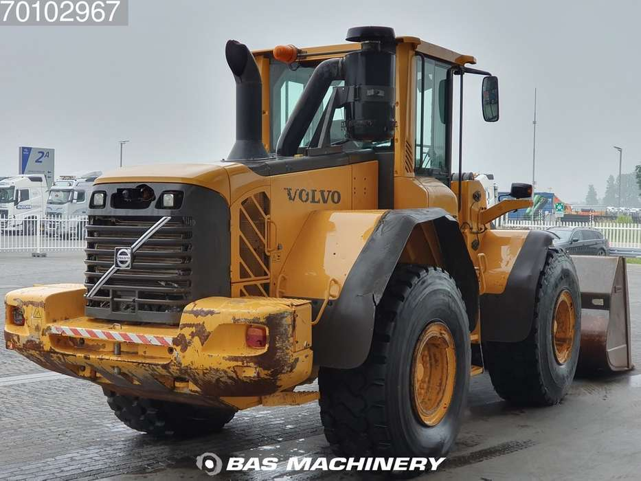Volvo L120F Good condition - good tyres - 2012 - image 5