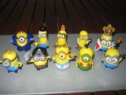 10 Minions figurines or cake toppers