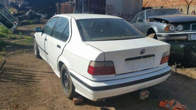 Bmw E36 stripping for spares and parts for sale Pretoria West - image 3