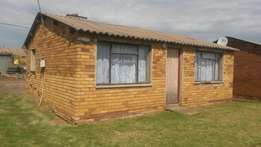 House for sale in ZOne 12 Sebokeng
