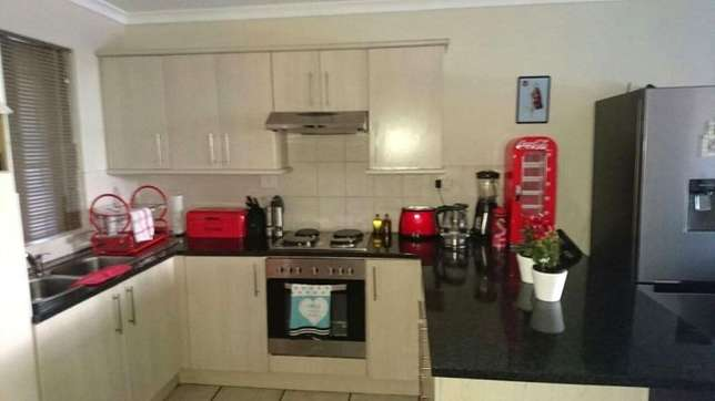Flat to rent Sea Point - image 4