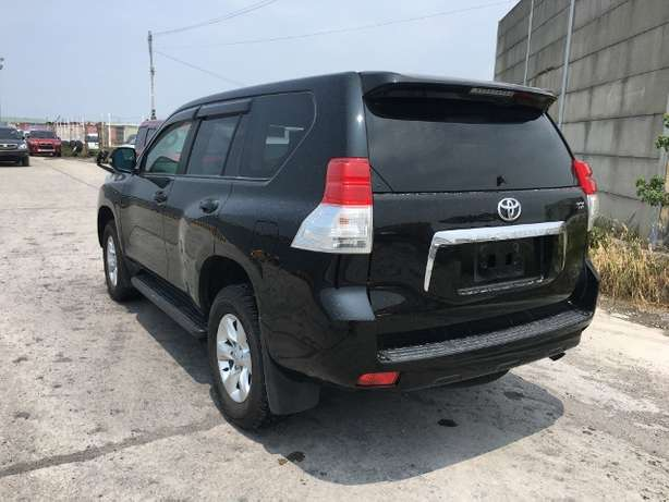 Toyota Prado land cruiser KCM number 2010 model loaded with alloy Mombasa Island - image 2