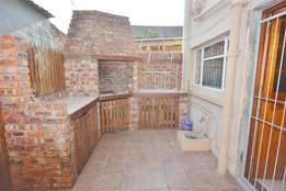 ROOM TO LET - R2500.00