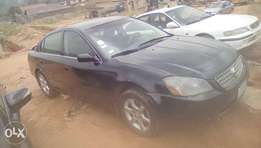Selling urgently without delay.. Sharp Altima with a classic engine