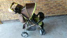 Complete Graco Ultima Plus Travel system. As new R1700 onco.
