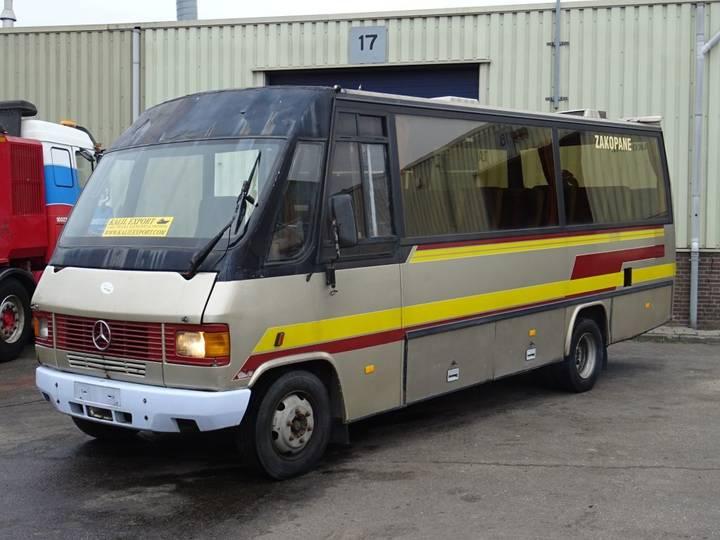 Mercedes-Benz 814D TeamStar 25 Seats Passenger Bus Good Condition - 1989