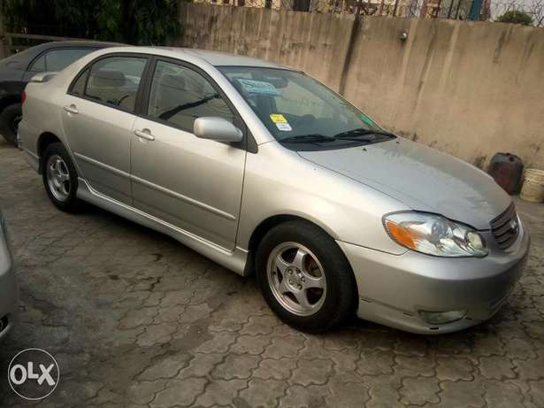 Foreign used Toyota corolla sport edition 2004 Ikeja - image 3