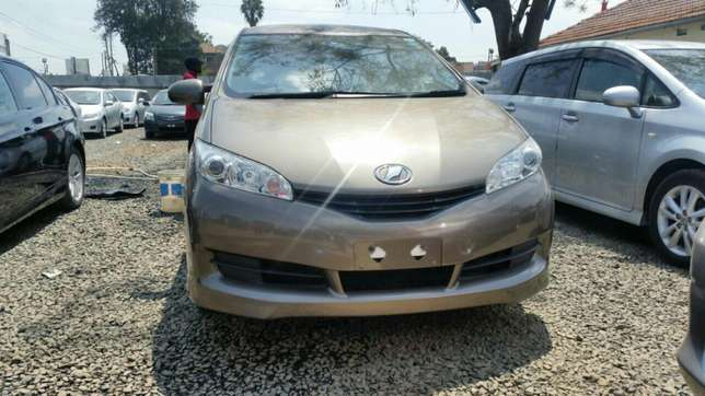 Clean newshape Toyota wish choice of 2010model.buy on hire-purchase Lavington - image 4
