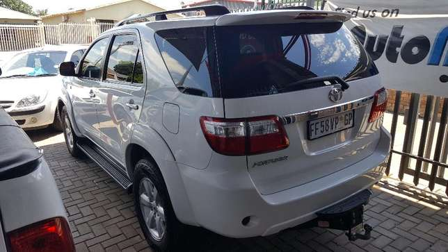 2010 Toyota Fortuner 3.0D-4D Auto Wonderboom South - image 2