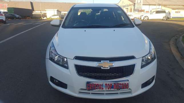 2012 chevrolet cruze sedan 1.6 ls,63000 kilo For R115,000 Kempton Park - image 1
