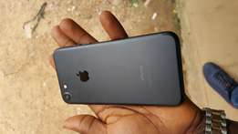 Extra mint yankee used 32gb black iphone 7 for sale