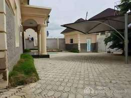 4bedroom Bungalow for sale at Area 2 Garki