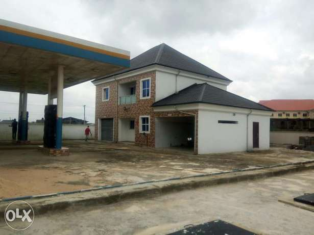 FOR SALE OR LEASE Newly built filling Station with 8 pumps at Eliozu Port Harcourt - image 2