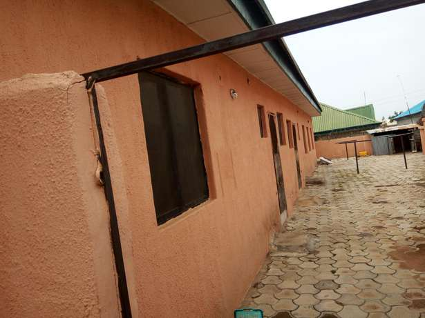 1,3 unit of 3 and 2 bedroom Bungalow at Fha Lugbe Lugbe - image 5