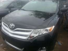 Tincan cleared tokunbo toyota venza 2010 fuloption
