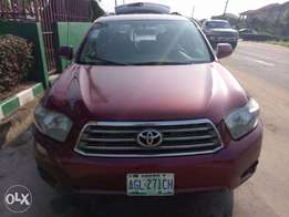 Super clean Toyota Highlander 09 for sale hurry now!
