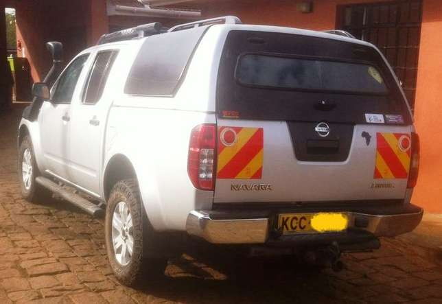 2006 Nissan Navara, auto 2.5L diesel dCI engine, well maintained Karen - image 2