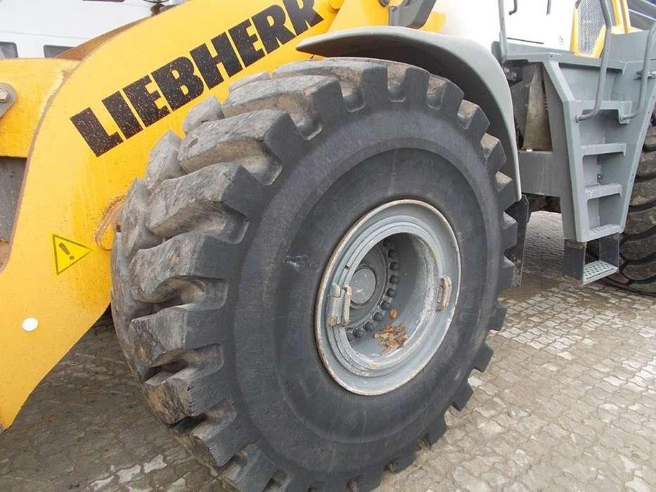 Liebherr L586 - 2014 - image 6