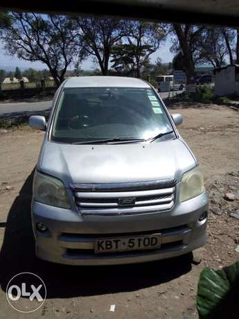 Toyota Noah, used but clean, 2000cc,yom 2005...clean lgbk 1st owner Section 58 - image 8