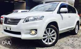 Toyota Vanguard pearl white fully loaded edition