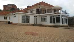 Mansion Built On 1 Acre Entebbe Bwebajja, 100 Metres From Entebbe Rd.