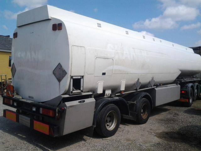 Kaessbohrer 4 x 41000 L Tank Benzin Fuel ADR Pumpe - 2004