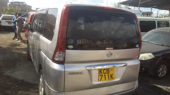 Nissan Serena for sale Umoja - image 5