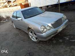 Mercedes e200-local Dt Dobie.KAY