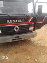 Renault trailer with diesel engine(lagos port cleared)