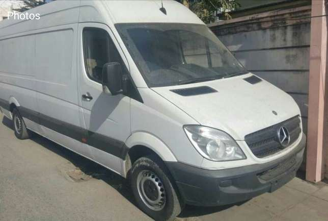 Mercedes Benz sprinter 311 Asian owner in Mombasa Nairobi CBD - image 1