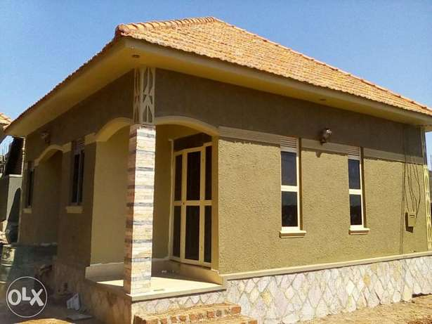 Brand new double room self contain house for rent in Kisaasi Kampala - image 3