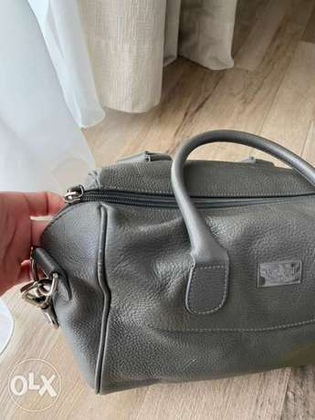 Armani collezioni hand bag bought for 1200$ الرياض -  2