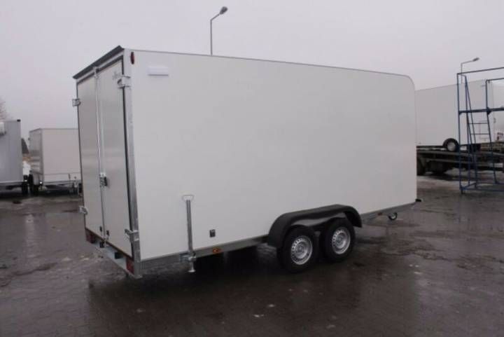 Kofferanhänger TFS 550T.00 ca. 550 x 200 x210 cm