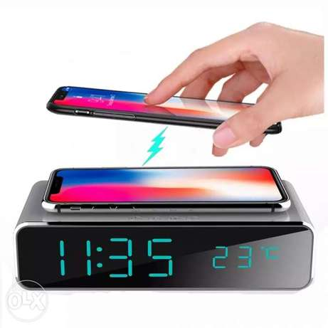 Electric LED alarm clock with phone wireless charger Desktop الرياض -  3